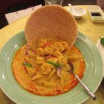 Curry with Shrimp and Cracker