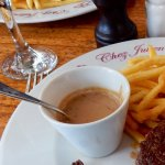 Châteaubriant avec sauce au poivre et pommes allumettes