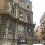 Photo de Hotel Columbia Palermo
