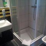 Compact bath room