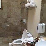 Muy lindo hotel y bonitas las habitaciones , Lamentable el servicio de restaurante y room servíc