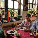 Restaura Hola y Olé