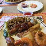 Variety...grilled shrimp and fresh shrimp..plus a load of other chinese dishes!