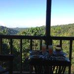 Vue de la terrasse, au petit déjeuner servit en chambre