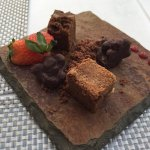 Invitación de la Casa, crujiente maíz con chocolate y un delicioso Brownie 😋😋😋