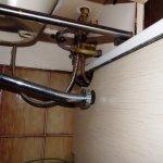 Des raccordements des tuyauteries bricolées, bonjour pour avoir de l'eau chaude