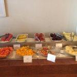 Café da manhã: frutas à vontade.