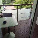 Zimmer im ersten Stock mit Balkon