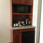 """Kitchenette"" with mini fridge, microwave & pod coffeemaker"