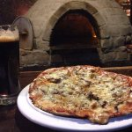 Mondragone Pizzeria
