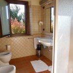 deze badkamer was met douche en bidet