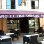 Toulon place Amiral Sénès: la pizzeria Gaëtano et fils.