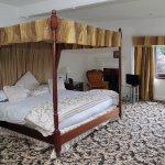 4-Poster bed in Swansea Suite.