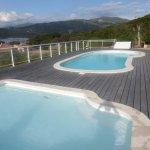 La piscine , la mer , la montagne