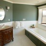 Moonbeam Suite Bathroom