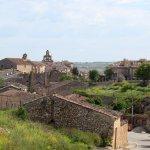 El pueblo de Maderuelo desde la carretera
