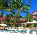Willy's Beach Hotel Photo