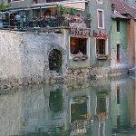 Façade typique sur le canal du Thiou