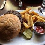 Hamburger (Tuesdays burgers are half price)
