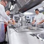 Die moderne Küche im Restaurant Schwarzwaldhof