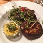 Madhus24 er hyggeligt, lækker mad med sundt tvist, økologiske råvarer og fair prisleje.