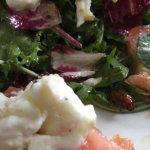 Voilà ce que ma compagne a dégusté ce midi dans sa salade : un cafard !! Réponse de la jeune ch