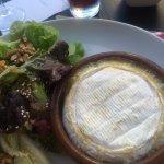 Salade de camémbert. Juste excellent.