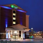 Holiday Inn Express & Suites is near the Indiana Convention Center