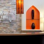 Foto de Holiday Inn Express Dubai - Safa Park