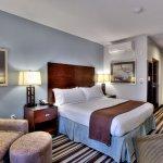 Photo de Holiday Inn Irvine Spectrum