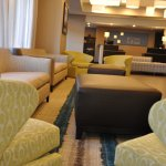 Holiday Inn Express Brentwood South Hotel Lobby