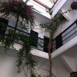 雷納庭院飯店照片