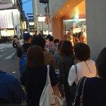 On-going long queue outside the shop. Average waiting time is about 30-40min.