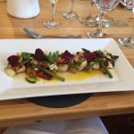Scallops and asparagus with pickled cucumber - delicious