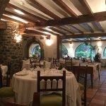 El tranquilo restaurante del hotel a la hora de la cena.