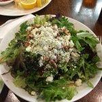 Gorgonzola & roasted walnut salad