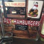 صورة فوتوغرافية لـ Al's Hamburgers