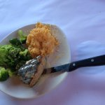Grilled Tuna with au gratin potatoes and broccoli