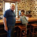 Esta foto la hice ayer entes de venir con unos de los propietarios del hotel y mi niña,una excel