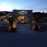 Leonidas Restaurant & Cafe