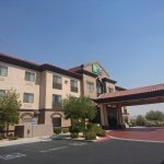 Photo of Holiday Inn Express & Suites Barstow-Outlet Center