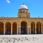 la principale mosquée de la médina de Tunis.