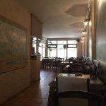 Sympathique salle décorée à l'italienne.