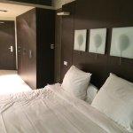 Chambre et grand lit
