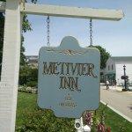 Metivier Inn
