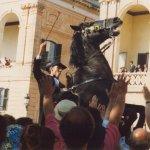 La fiestas de San Juan, con los caballos engalanados, son una raza propia de Menorca.