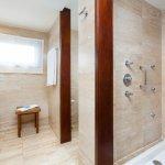 Senior Suite Superior_Bathroom