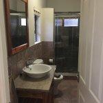En suite bathroom 3 bedroom unite Kiara Lodge main bedroom