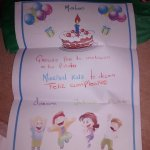 carta y regalo en la habitación del kids club