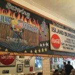 Photo de Island Burgers and Shakes
